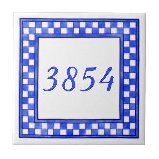 Blaue und weiße kleine Hausnummer Kleine Quadratische Fliese