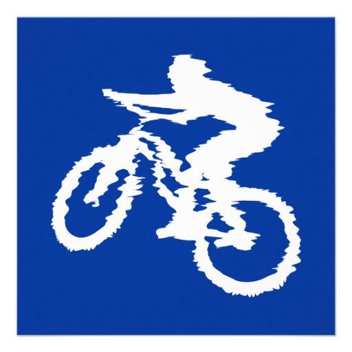 Blaue und weiße Mountainbike Ankündigungskarte