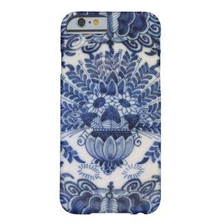 Blaue und weiße niederländische Pfau-Blumen Delfts Barely There iPhone 6 Hülle