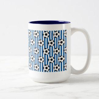 Blaue und weiße Streifen mit Fußbällen Tee Haferl