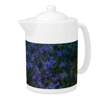 Blaue violette Garten-Teekanne