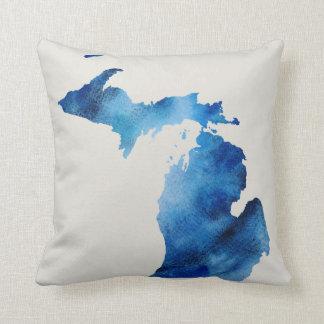 Blaue Watercolor-Michigan-Silhouette | fertigen es Zierkissen