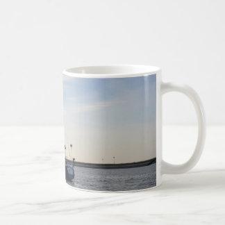 Blaue Yacht Kaffeetasse