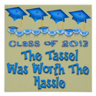 Blauer Abschluss bedeckt Plakat mit einer Kappe