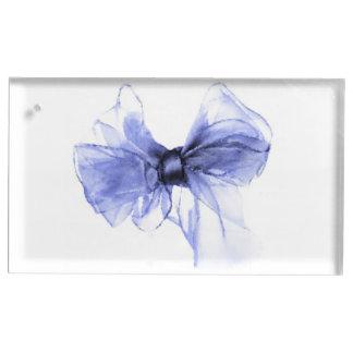 Blauer Bogen, der Skizze zeichnet