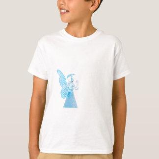 Blauer Glasengel, der auf weißem Hintergrund betet Hemd