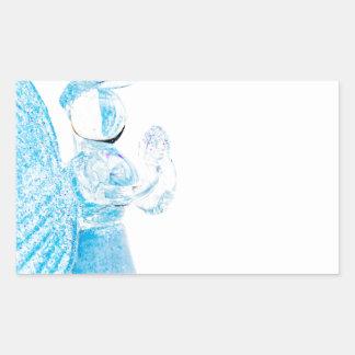 Blauer Glasengel, der auf weißem Hintergrund betet Rechteckiger Aufkleber