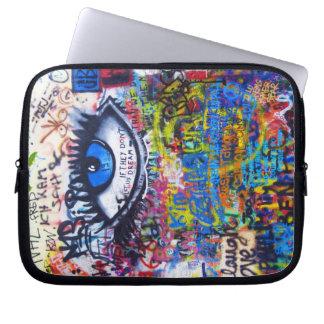 Blauer Graffiti-böser Blick Laptopschutzhülle