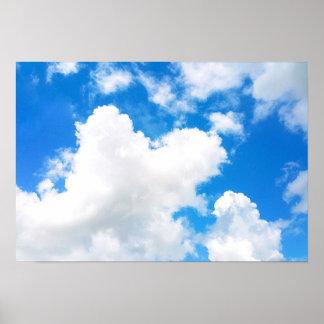 Blauer Himmel mit wenige Wolken-Foto Poster