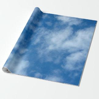 Blauer Himmel mit Wolken-Packpapier Geschenkpapierrolle