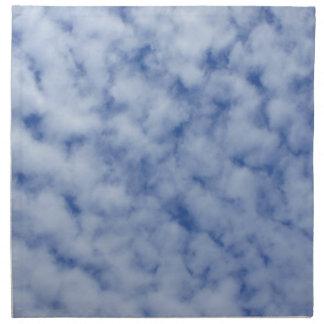 Blauer Himmel mit Wolken Stoffserviette