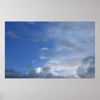 Blauer Himmel und Wolken Poster