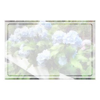 Blauer Hydrangea auf weißem Zaun Briefpapier