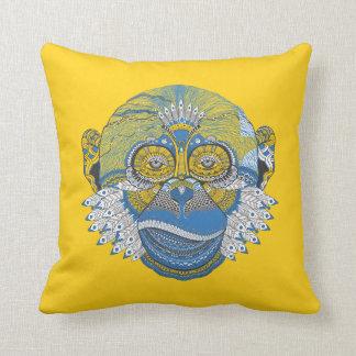 Blauer Mandala-Affe Kissen
