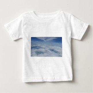 blauer Morgenhimmel Baby T-shirt