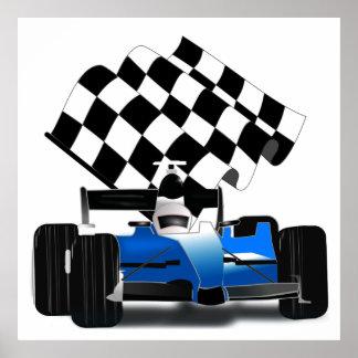 Blauer Rennwagen mit Zielflagge Poster