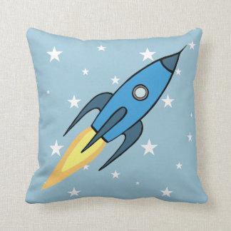 Blauer Retro Rocketship u. Stern-Cartoon-Entwurf Kissen