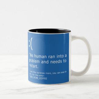 Blauer Schirm des Todes - Kaffee-Fehler Zweifarbige Tasse