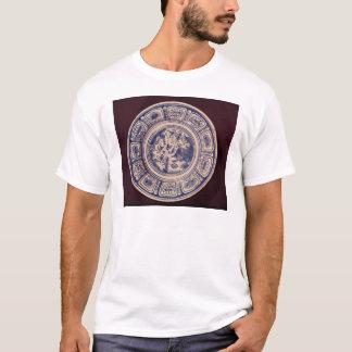 Blauer Teller, leitend von einem späten Ming T-Shirt