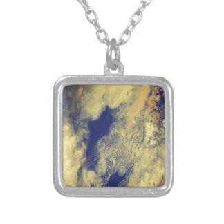 Blauer und gelber Marmor Versilberte Kette