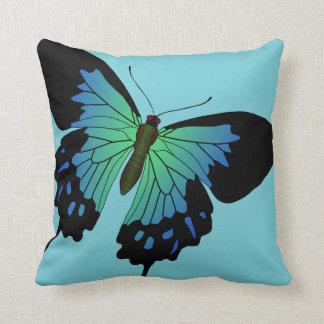 Blauer und schwarzer Schmetterling Kissen