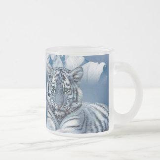 Blauer weißer Tiger Matte Glastasse