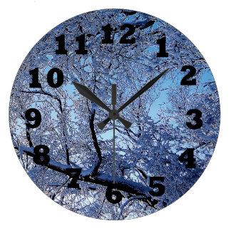 Blauer Winter Große Wanduhr
