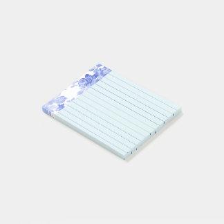 Blaues Aquarell-Blumenmuster, gezeichnet Post-it Klebezettel
