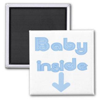 Blaues Baby nach innen Quadratischer Magnet