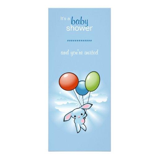 Blaues Häschen mit farbiger Baloons Babyparty Ankündigungskarte