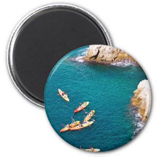 Blaues Kayaking Wasser Runder Magnet 5,1 Cm