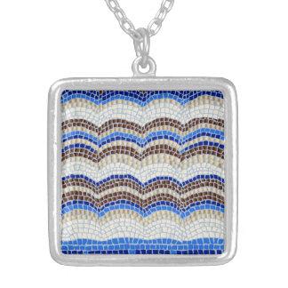 Blaues Mosaik-mittlere quadratische Halskette