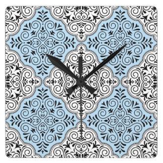 Blaues Rokoko-Muster blühen Quadratische Wanduhr