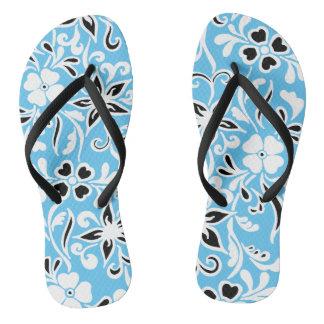 Blaues Schwarz- u. weißesblumenmuster Flip Flops