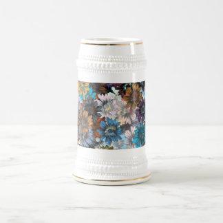 Blaues und braunes Blumen Bierglas