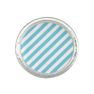 Blaues und weißes diagonales Streifen-Muster Ring