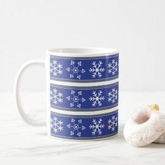 Blaues und weißes Schneeflocke-Tasse #HolidayZ Kaffeetasse