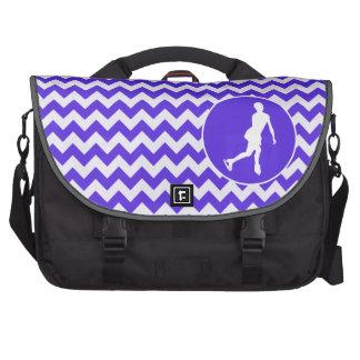 Blaues violettes Zickzack; Zahl Skaten Notebook Taschen