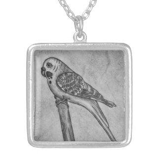 Bleistift-Zeichnen von Parakeet sitzend auf Halskette Mit Quadratischem Anhänger