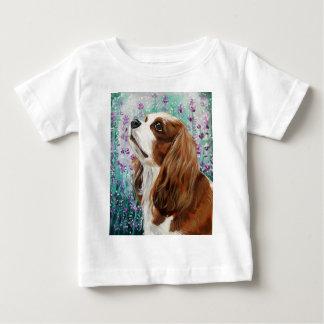 Blenheim unbekümmerter Königcharles Spaniel Baby T-shirt