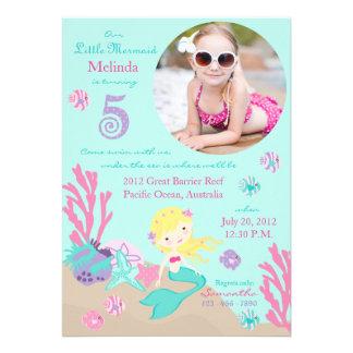 Blonde Meerjungfrau-fünfte Geburtstags-Einladung