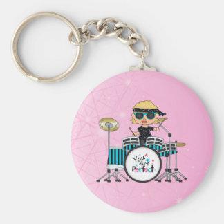 Blondes Schlagzeuger-Mädchen mit Sternen auf Rosa Standard Runder Schlüsselanhänger