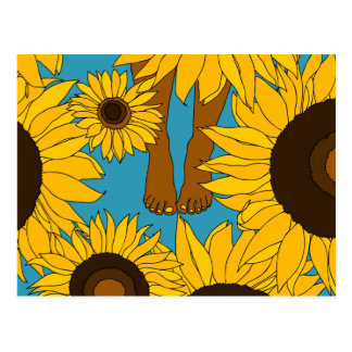Bloße Füße auf dem Sonnenblumegebiet Postkarte