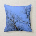 Bloße Niederlassungen der Winter-Baum-Natur-Kunst Kissen