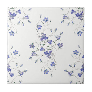 Bluebells auf weißer Keramik-Blumendruck-Fliese Fliese