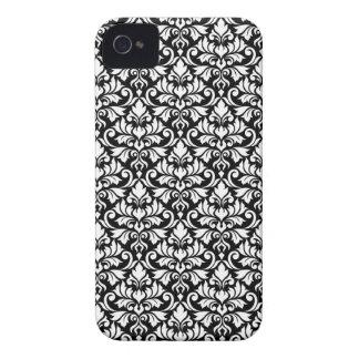 Blühen Sie Damast-Muster-Weiß auf Schwarzem iPhone 4 Hüllen