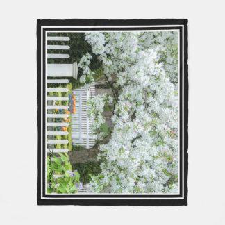 Blühende Baum-Fleece-Decke durch Thomas Minutolo Fleecedecke