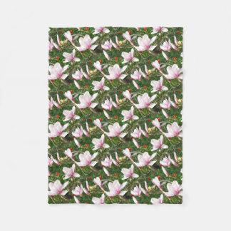 Blühende rosa Magnolie 01 Fleecedecke