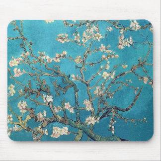 Blühender Mandelbaum durch Van Gogh Mauspad