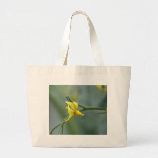 Blume einer Gurken-Pflanze Jumbo Stoffbeutel
